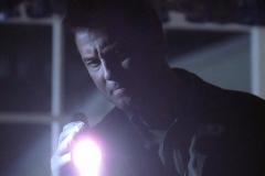 """Seriál Kriminálka Las Vegas, sedmý díl """"Pokrevní pouta"""" (sezona 1)."""