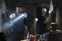 """Seriál Kriminálka Las Vegas, čtvrtý díl """"Kniha stínů"""" (sezona 15)."""