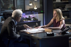 """Seriál Kriminálka Las Vegas, šestý díl """"Paradox dvojčat"""" (sezona 15)."""