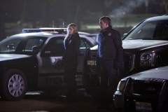 """Seriál Kriminálka Las Vegas, sedmnáctý díl """"Pod kůži"""" (sezona 15)."""